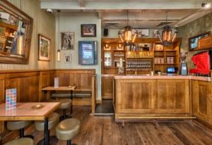 The Tweede Kamer Coffeeshop